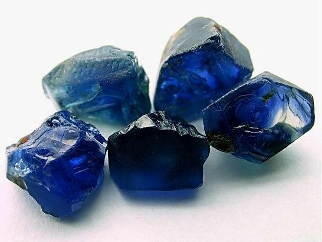 terapi kristal safir